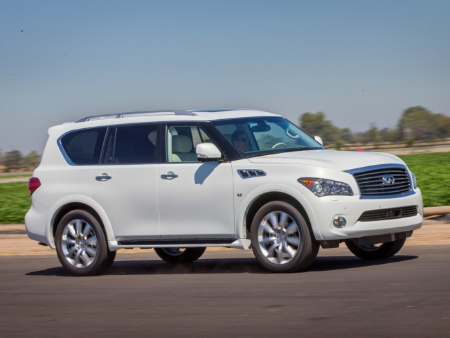 Infiniti QX80 или Toyota Land Cruiser 200